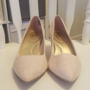 Payless pink shoe with small heel